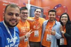 Leonardo, diretor comercial,  com a Equipe do AskSuite na Equipotel 2019